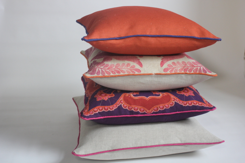 Folklore cushions