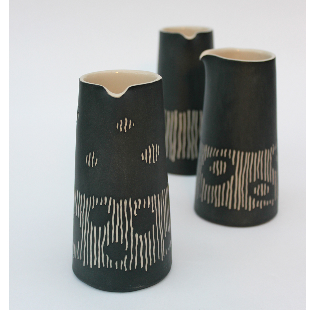 Medium sgraffito pourers
