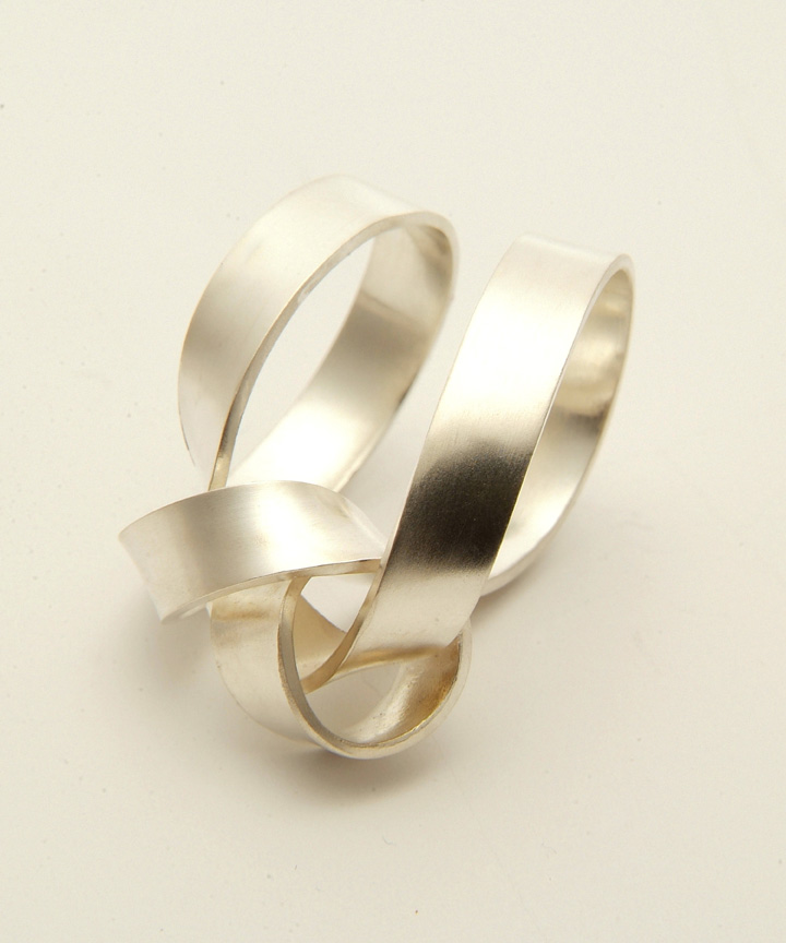 Ribbon double Loop Ring